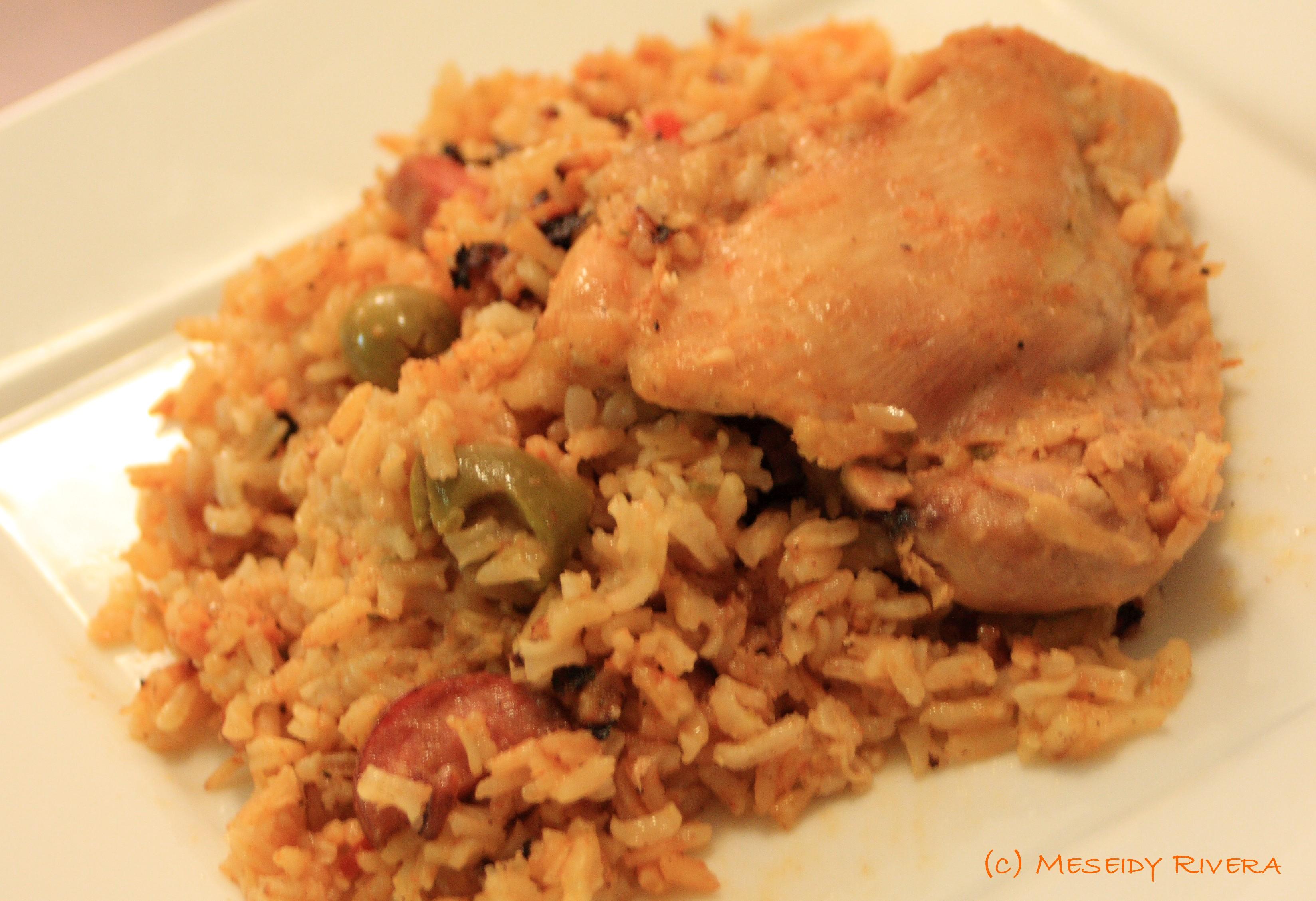 Arroz con gandules y pollo - Arroz caldoso con costillas y alcachofas ...